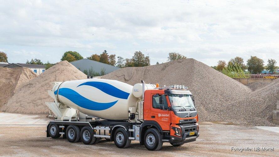 IJB Mortel neemt nieuwe betoncentrale in Lelystad in gebruik