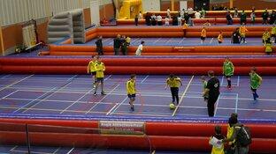 Drukte op het  G-voetbaltoernooi Sportstad Heerenveen