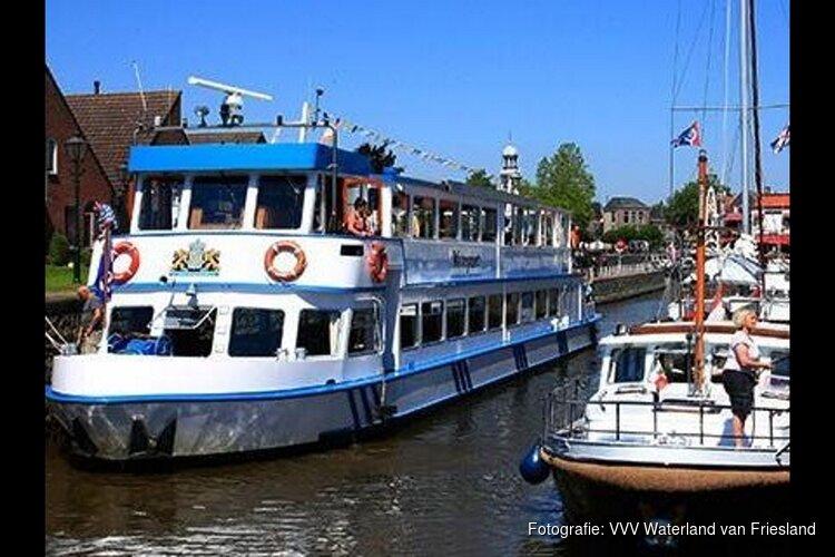 Rondvaart vanuit Lemmer met de Toerist VI