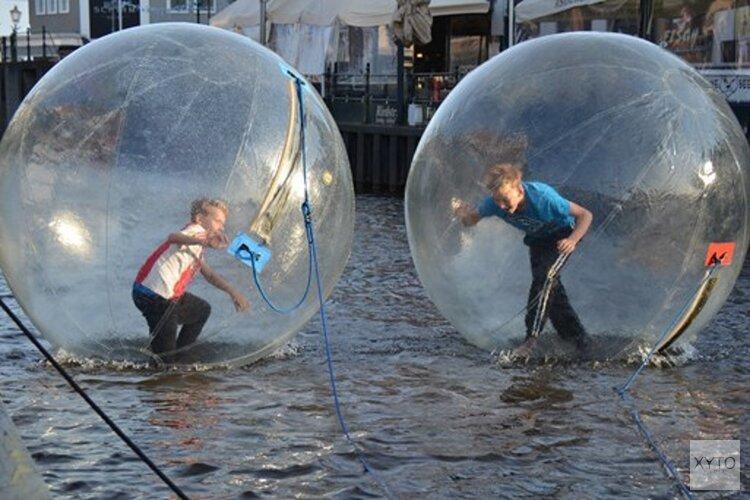 Waterballenloop in Lemmer centrum